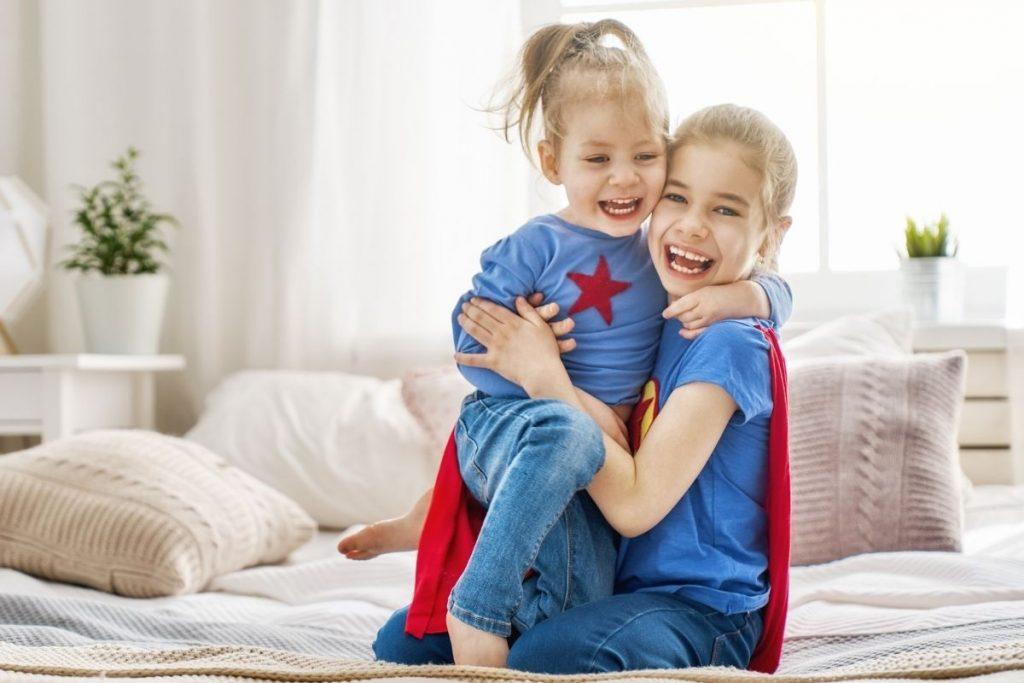 Nagy Gitta pszichológus honlapja két szuperhős kislány